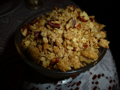 Apple and pecan crumble