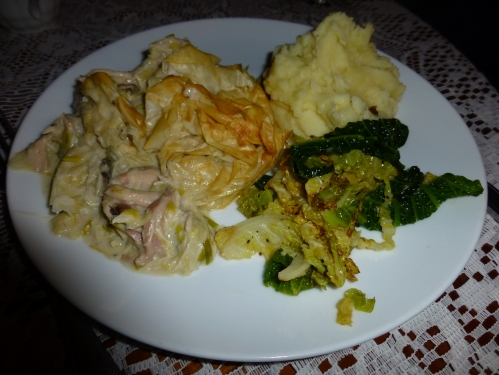 Pie with chicken, leek and chestnut mushroom filling