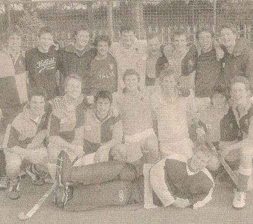 Squad photo of the 2005 Hatfield College Hockey Club at Durham University
