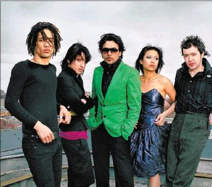 Photo of glam-rock band El Presidente